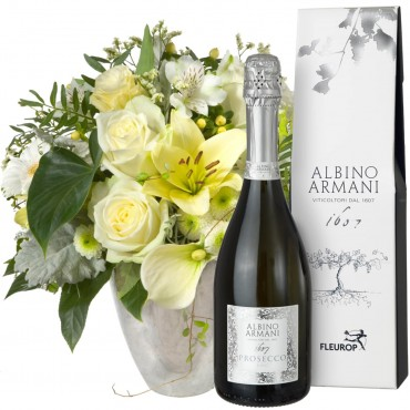 Exquisite Magic of Blossoms with Prosecco Albino Armani DOC (75cl)