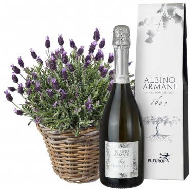 A Basket of Lavender with Prosecco Albino Armani DOC (75cl)