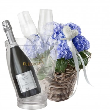 Hydrangea (blue) with Heart with Prosecco Albino Armani DOC (75 cl), incl. ice bucket and two sparkl