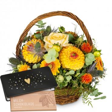 "Natural seasonal basket and bar of chocolate ""Heart"""