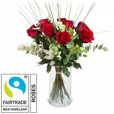 9 Red Fairtrade Max Havelaar-Roses with greenery