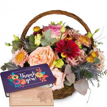 Romantic Seasonal Basket with bar of chocolate «Thank you»