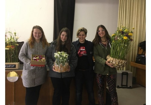 Květinová designová díla a inspiraci top floristiky předvedla německá floristka Elisabeth Schoeneman