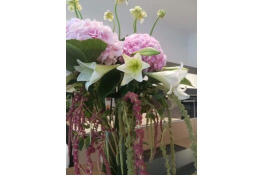 Fleurop flowers arrangement for company