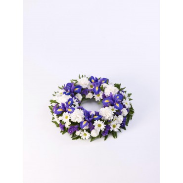 CLASSIC WREATH - BLUE AND WHITE