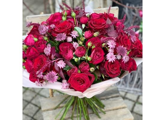 Kytice na přání a dle kreativy floristy