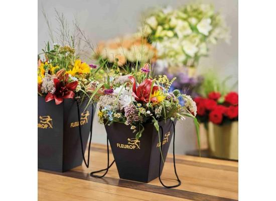 Nákup kytice na Fleurop pomáhá seniorům