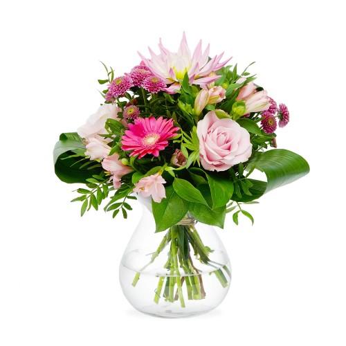 Levně krása růžových růží v hravé letní kytici